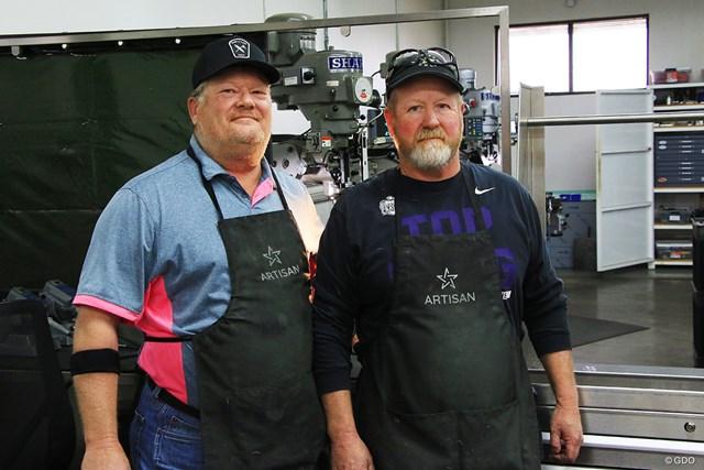 マイク・テーラー氏(左)とジョン・ハートフォード氏。ナイキで培った技術を新ブランドに注入している