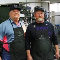 マイク・テーラー氏(左)とジョン・ハートフォード氏。ナイキで培った技術を新ブランドに注入している 2018年 マイク・テーラー氏(左)&ジョン・ハートフォード氏