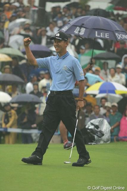 2004年 日本プロゴルフ選手権大会 最終日 S.K.ホ 最終18番バーディパットをねじ込み、勝負を決めたS.K.ホ