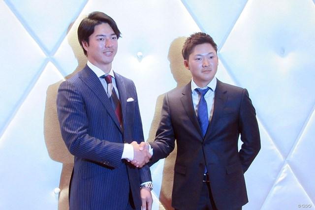 選手会長2年目となる石川遼(左)と副会長に就任した今平周吾