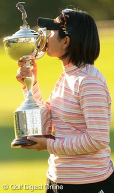 諸見里しのぶ 「全米女子オープン」プロになって初めて勝ちたいと思いました。 03