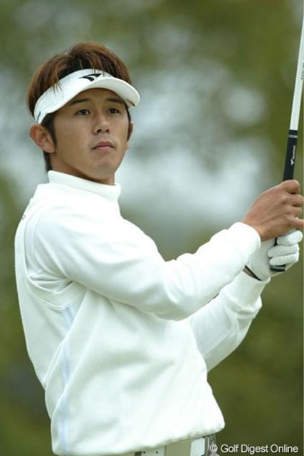 2004年 ブリヂストンオープンゴルフトーナメント 初日 近藤智弘 ホストプレーヤーの1人、近藤智弘が首位タイスタート!