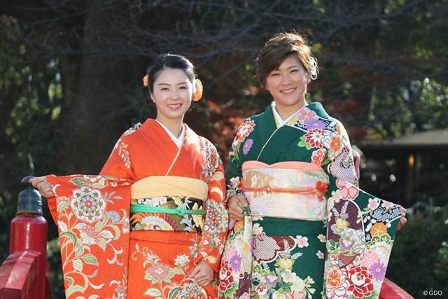 笑顔で2019年の目標を語った菊地絵理香(左)と成田美寿々