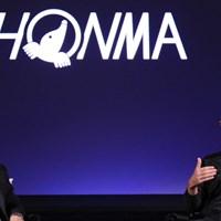 今年から本間と契約したジャスティン・ローズ。左はテーラーメイドの元CEOで現本間アドバイザーのマーク・キング氏 2019年 デザートクラシック 事前 ジャスティン・ローズ