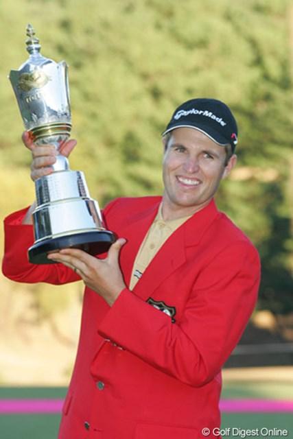 2004年 ゴルフ日本シリーズJTカップ 最終日 ポール・シーハン P.シーハンが最終日に好スコア「66」をマークし、逆転優勝を飾った