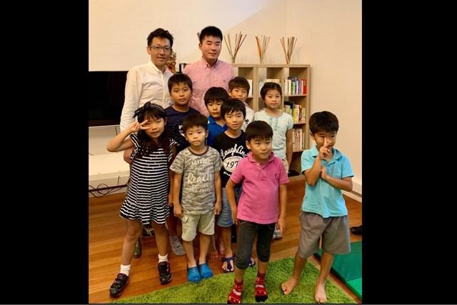2019年 SMBCシンガポールオープン 事前 川村昌弘 シンガポールの学習塾の子どもたちと。緊張しました…