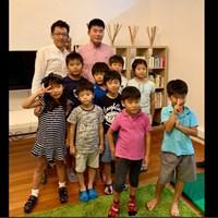 シンガポールの学習塾の子どもたちと。緊張しました… 2019年 SMBCシンガポールオープン 事前 川村昌弘