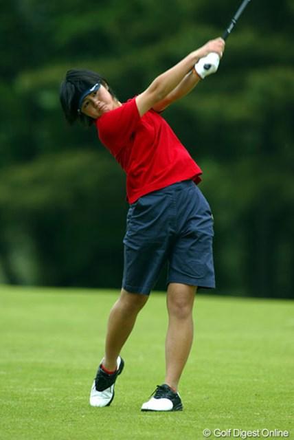 2004年 ニチレイカップワールドレディスゴルフトーナメント 初日 諸見里しのぶ 宮里藍を差し置いて5アンダー4位につけた高校生の諸見里しのぶ