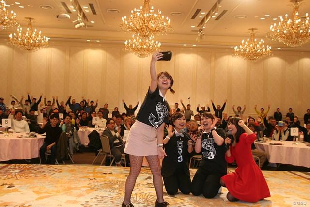 ファンイベントを実施した(左から)SKE48の山内鈴蘭さん、青木瀬令奈、岡村咲ら