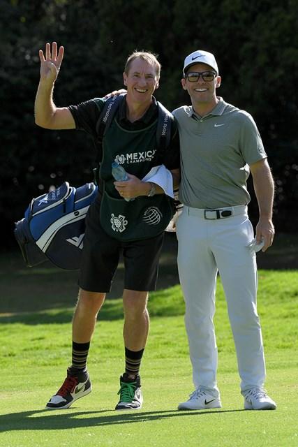ケーシー(右)とキャディのマクラーレン氏※撮影は大会初日(Stan Badz/PGA TOUR)