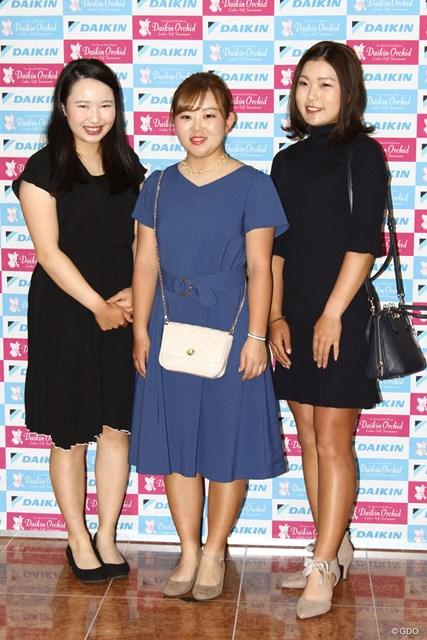 (左から)小祝さくら、浅井咲希、高橋彩華