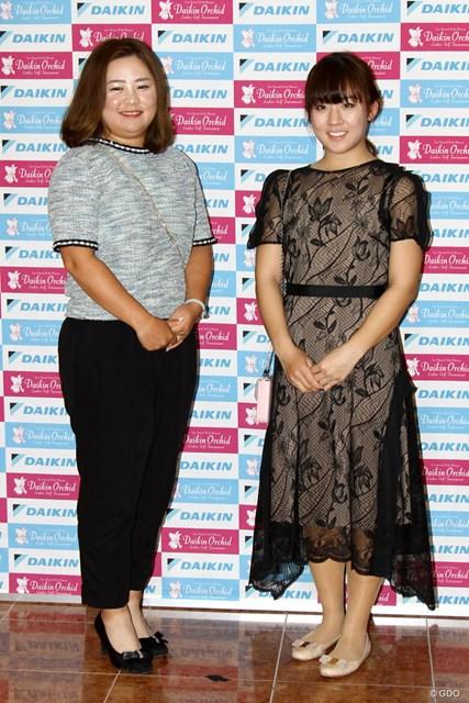 (左から)東浩子、香妻琴乃