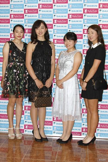 (左から)三浦桃香、脇元華、勝みなみ、松田鈴英