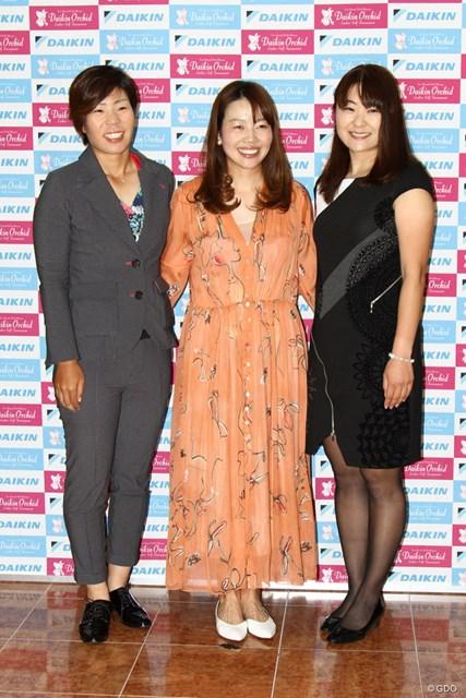 (左から)穴井詩、西山ゆかり、藤田さいき