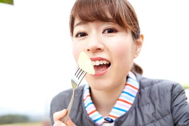 「グレープフルーツから食べまーす」 ってカメラ寄りすぎ?