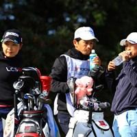初めて同組でプレーした小祝(左)と横峯 2019年 ヨコハマタイヤゴルフトーナメント PRGRレディスカップ 2日目 小祝さくら 横峯さくら