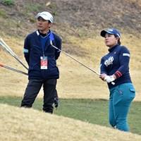 鈴木愛(右)は自身初の2週連続優勝を目指す 2019年 Tポイント×ENEOSゴルフトーナメント 事前 鈴木愛