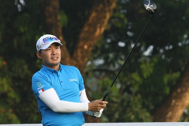 川村昌弘は首位と3打差の好位置で週末に駒を進めた