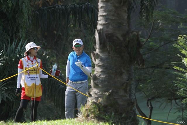 前半9番の1打目を林に打ち込んだ川村昌弘。フルスイングはリスクとも隣り合わせだ