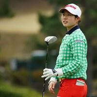 明日は安田佑香さんとのローアマ争いも見ものですね。 2019年 Tポイント×ENEOSゴルフトーナメント 2日目 商崎鈴菜