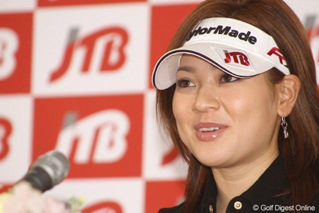 「まずはプロのペースを掴みたい。チャンスがあれば優勝も狙いたい」と今年の目標を話す竹村真琴