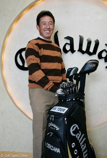 キャロウェイのクラブを手にし、気分一新笑顔の芹澤信雄