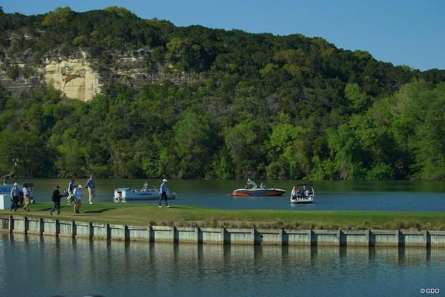 日本にもこんな景色のゴルフ場があったらなぁ。伊豆とか宮城辺りなら出来そうじゃない?