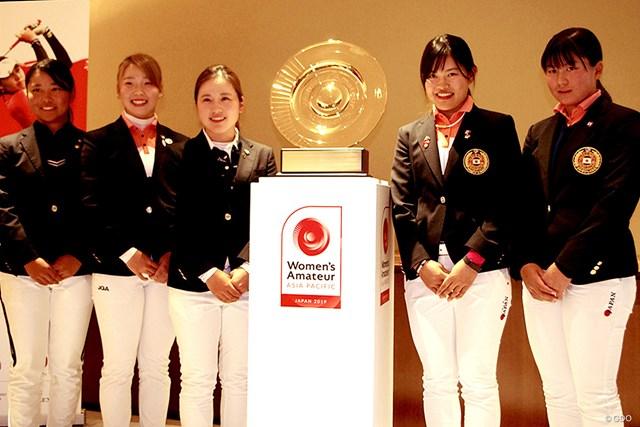 前年大会のリベンジに挑む西村優菜(左から3番目)