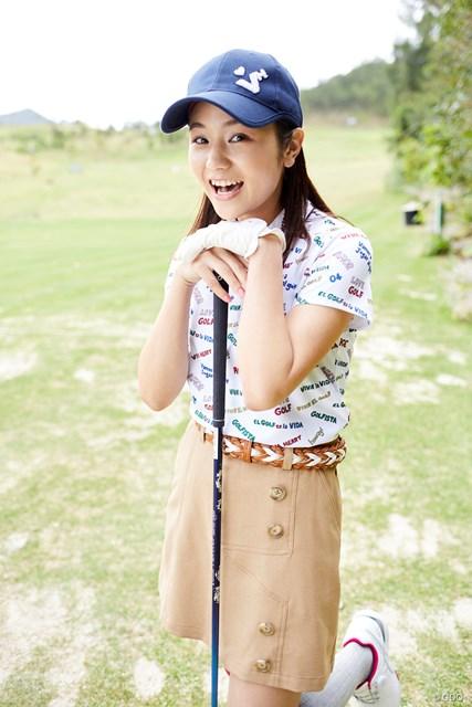 生まれて初めてゴルフ場に来たという棚原さん
