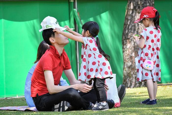 「お父さん、熱中症に気をつけてね」 2019年 KKT杯バンテリンレディスオープン 2日目 親子