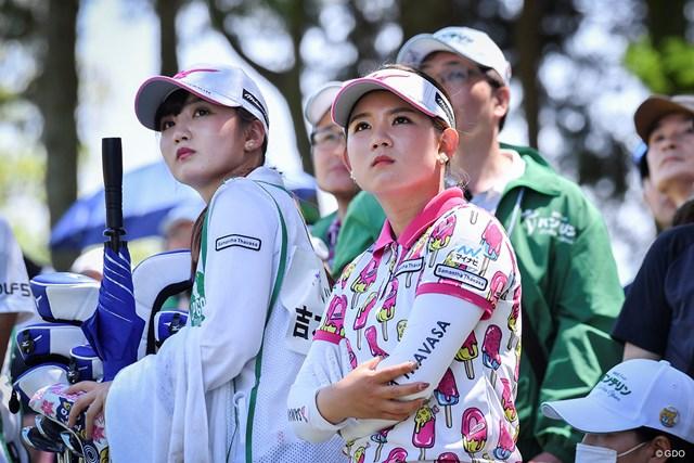 2019年 KKT杯バンテリンレディスオープン 最終日 吉本ひかる 今週も優勝争いに加わった吉本ひかる(右)