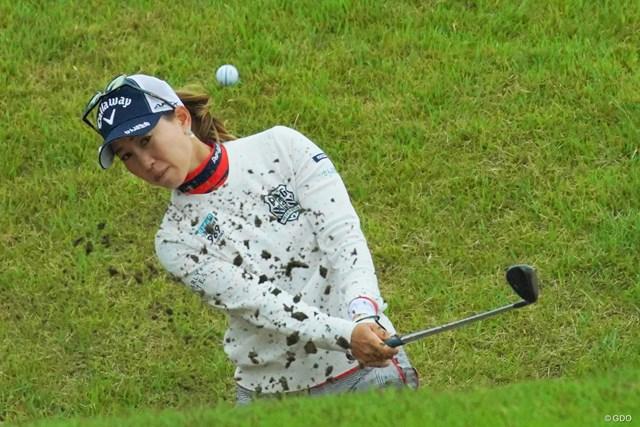 上田桃子が今季2勝目に向け2位に浮上した