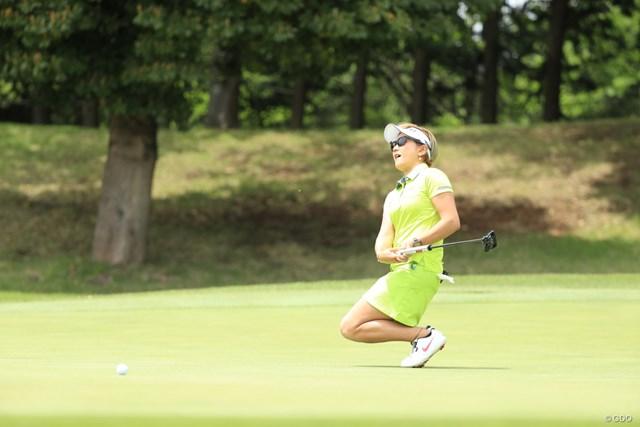2019年 パナソニックオープンレディースゴルフトーナメント 初日 成田美寿々 こういいうアクション大歓迎、美寿々ちゃんえらい