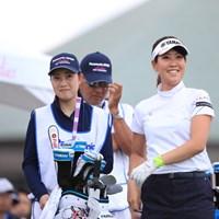 キャディーさんと似てません? 2019年 パナソニックオープンレディースゴルフトーナメント 2日目 福田真未
