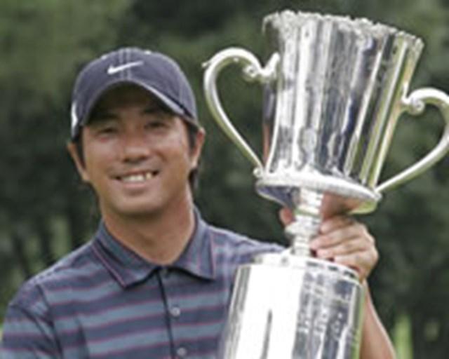 今季2勝目を挙げ、賞金ランクトップに立った深堀圭一郎