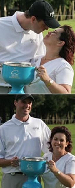 上:優勝カップを手に、妻・シェリーさんと祝福のキスをするデビッド・スメイル 下:難しいコンディションの中、4日間首位を守り続けたデビッド・スメイル