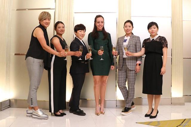 2019年 ワールドレディスチャンピオンシップサロンパスカッ プ 事前 (左から)成田美寿々、鈴木愛、申ジエ、ジョージア・ホール、比嘉真美子、勝みなみ