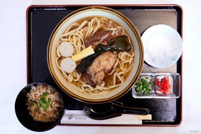 ソーキそば(900円) + ジューシーセット