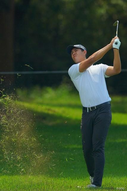 パワーでコースをねじ伏せるイエレミアは23歳のニュージーランドゴルファー