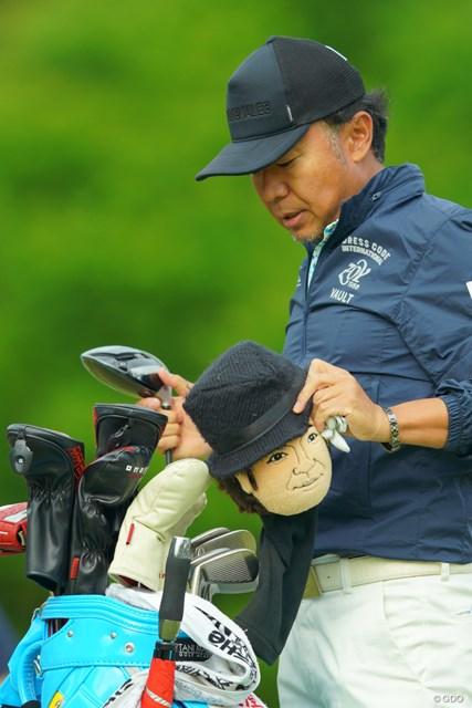 2019年 アジアパシフィックオープン選手権ダイヤモンドカップゴルフ 最終日 片山晋呉 このヘッドカバーは本人ですかね?ルパン三世にも見えなくない。