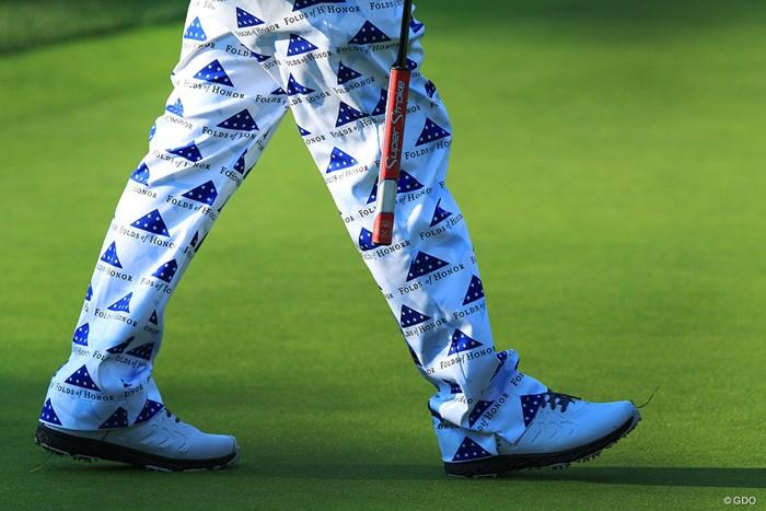 スポンサーさんのロゴを並べた派手なパンツ 2019年 全米プロゴルフ選手権 2日目 ジョン・デーリー
