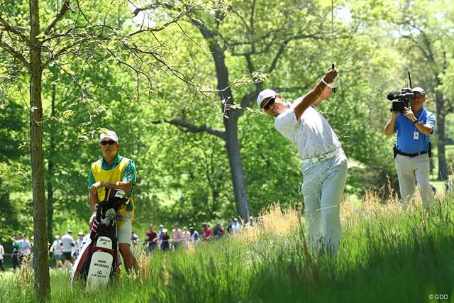 2019年 全米プロゴルフ選手権 3日目 松山英樹 2番ではティショットを深いラフに入れるトラブル。このショットがさらに大きく左へと飛んで行った