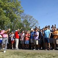 大きく曲げるとギャラリーがラフを踏み固めているのでライは良い 2019年 全米プロゴルフ選手権 3日目 リッキー・ファウラー