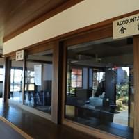 神戸ゴルフ倶楽部の受け付けと会計所。少し前までは、そろばんを使っていたとか 2019年 神戸ゴルフ倶楽部