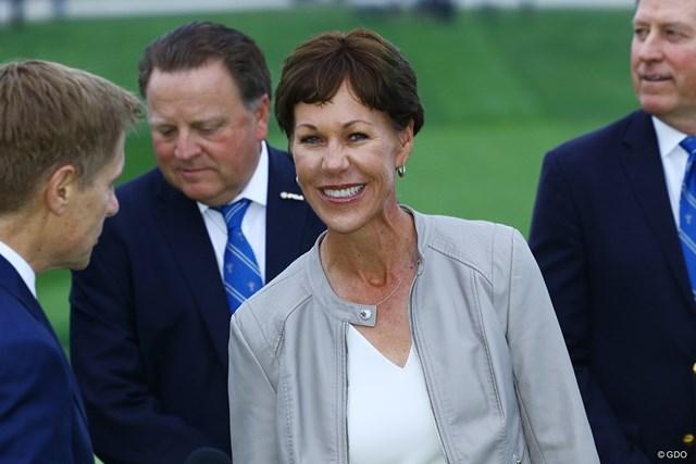 全米プロゴルフ協会会長のスージー・ウェイリー