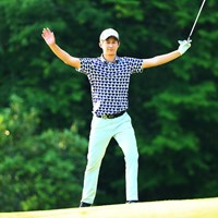 チップインバーディで締めくくり両手を挙げた星野陸也 2019年 関西オープンゴルフ選手権競技  2日目 星野陸也