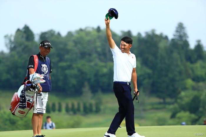優勝したかのよう 2019年 関西オープンゴルフ選手権競技 最終日 中西直人