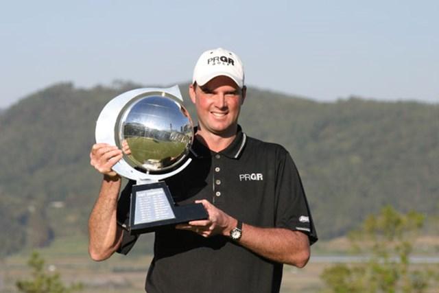 大好きな「いぶすきゴルフクラブ」での最後の開催を自身2度目の優勝を飾ったデビッド・スメイル。