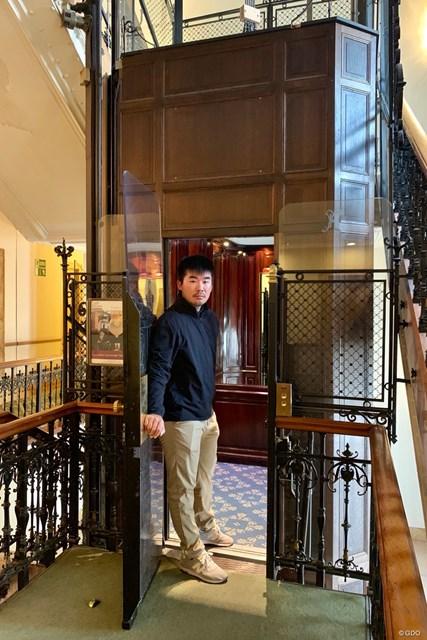 2019年 ベルギーノックアウト 事前 川村昌弘 今週はベルギーからお届けします。ブリュッセルで歴史ある手動エレベーターに乗りました