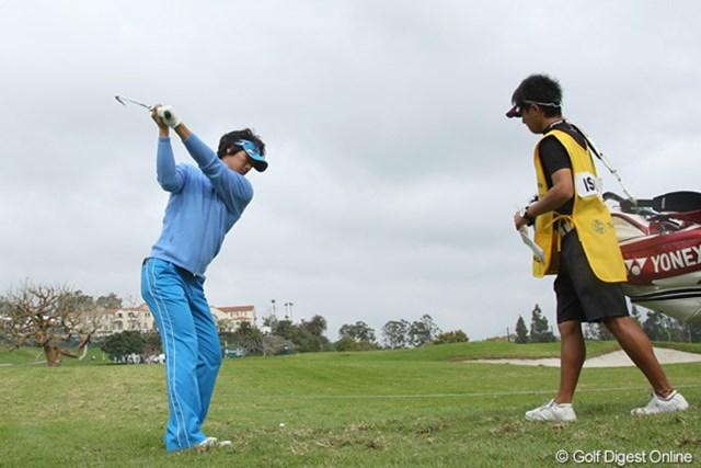 2010年 ノーザントラストオープン初日 石川遼 ドライバーが曲がっても、他のクラブでリカバリーしてスコアをまとめた石川遼